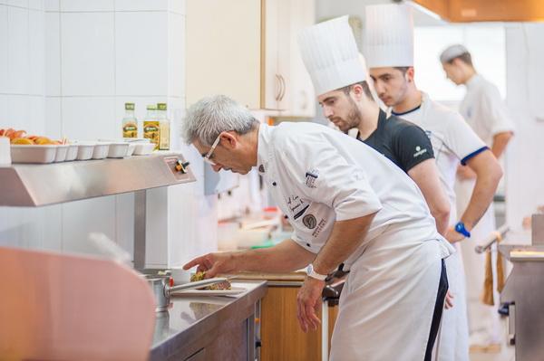 Иньяцио Роза, ресторан Поющие фонтаны