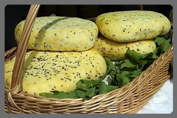 Сыр с тмином