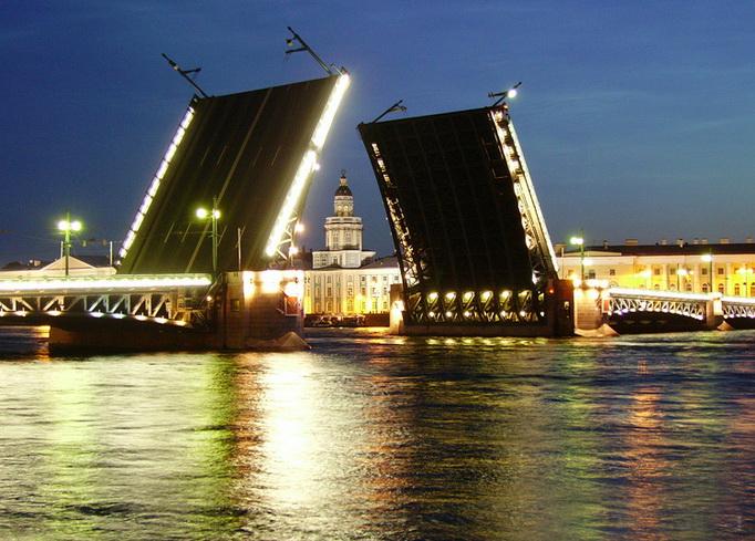 Разводные мосты на Неве