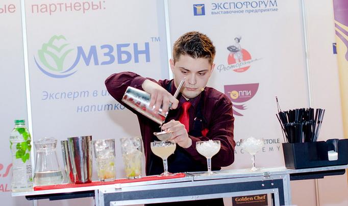 Юнис Набиев, бармен кафе «Feelini»