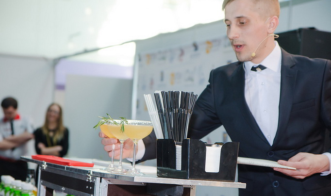 Егор Козловский, бармен коктейль-бара «Мараскино»