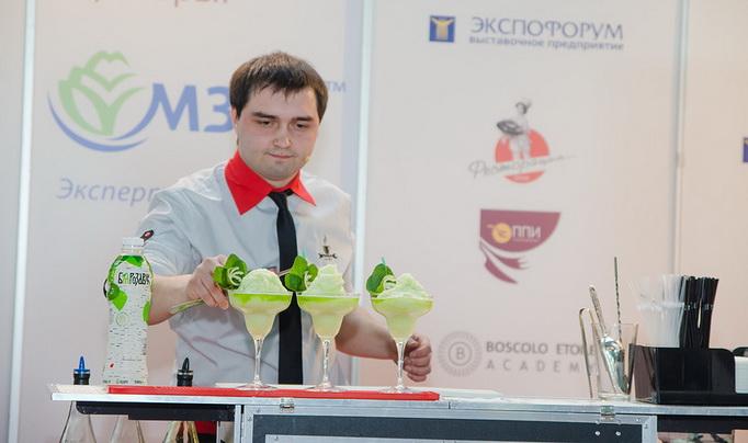 Дмитрий Налетов, бармен в сети кафе «Гараж»
