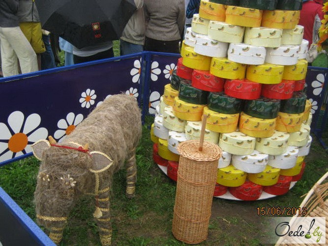 Круги сыра на Фестивале сыра под Минском