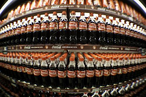 Стеллажи с Кока Кола