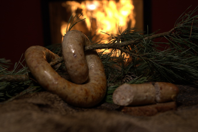 Белорусская кухня: колбаски свиные с гречкой
