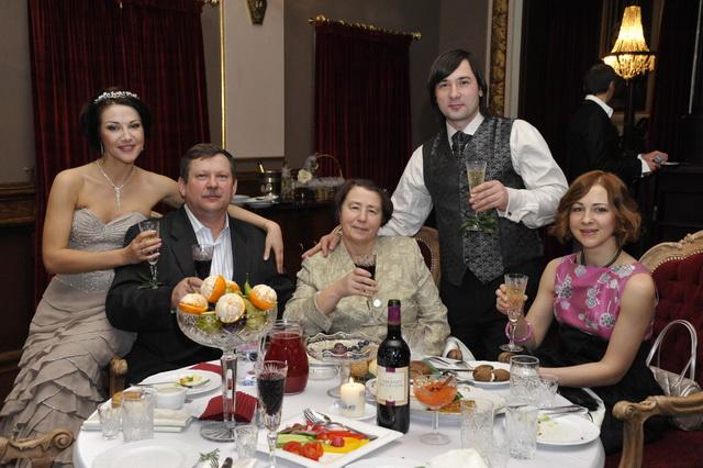 Полина Смолова в кругу семьи