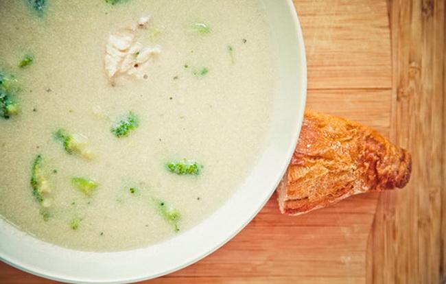Крем-суп с брокколи и куриной грудкой