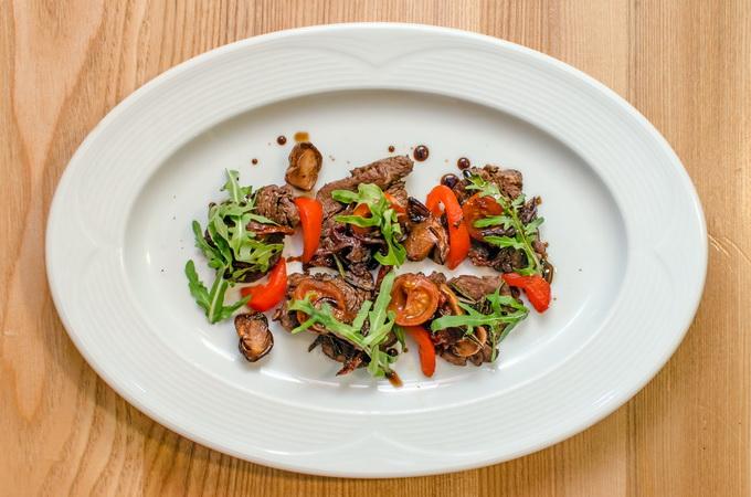 «Суполка кухараў»: теплый мясной салат