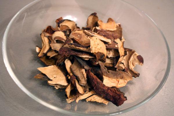 Лисички сушёные - калорийность, полезные свойства