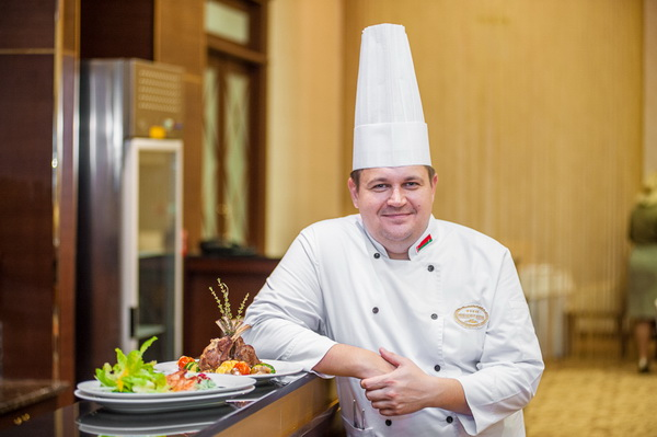 Шеф-повар ресторана Столица Денис Светов