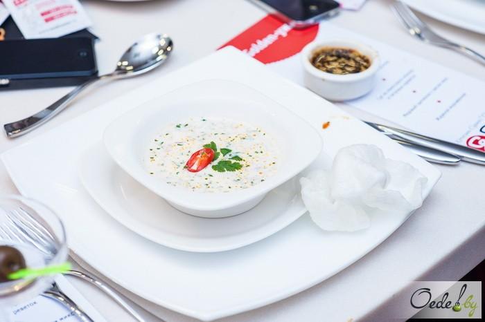 Суп из кокосового молока и тигровых креветок