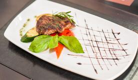 Стейк из говядины с овощами гриль «Луссо Берлинетто»