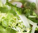 Салат с заправкой из сыра Фетаки