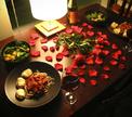 Романтический ужин: лучший отдых после боя…