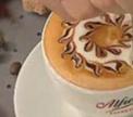 Видео дня: Рисунок с цветами на кофе (Sun Alfredo)
