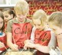 Детский мастер-класс Мамин помощник. Учимся печь бисквиты. с Раисой Савкова