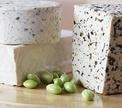 Сыр с плесенью: что это такое и с чем его едят?