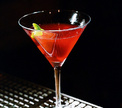 Бар в Дубае предлагает бесплатные напитки женщинам в зависимости от их веса