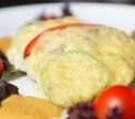 Куриное филе, запеченное с авокадо и сыром с голубой плесенью