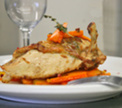 Курица с базиликом и гарниром из моркови
