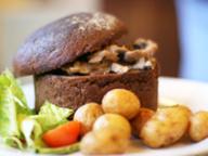 Мастер-класс: «Говядина по-строгановски в хлебном горшочке»