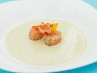Холодный суп из цуккини с тартаром из лосося от Иньяцио Роза