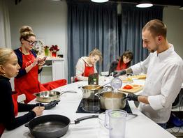В Первой Кулинарной школе  Oede прошел мастер-класс по супам.