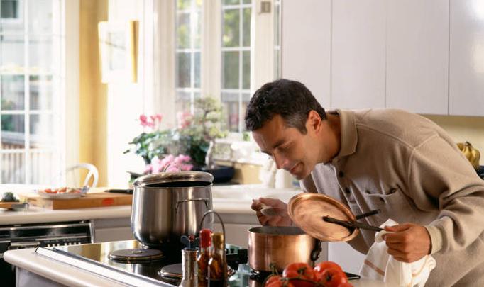 Кухня накануне 8 Марта. Мужчины, засучите рукава!