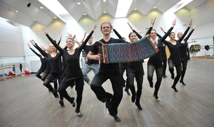 Дмитрий Максимов, танцор балета: «Без зазрения совести делаю замечания девчонкам по поводу фигуры!»