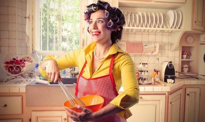 женщин на кухне