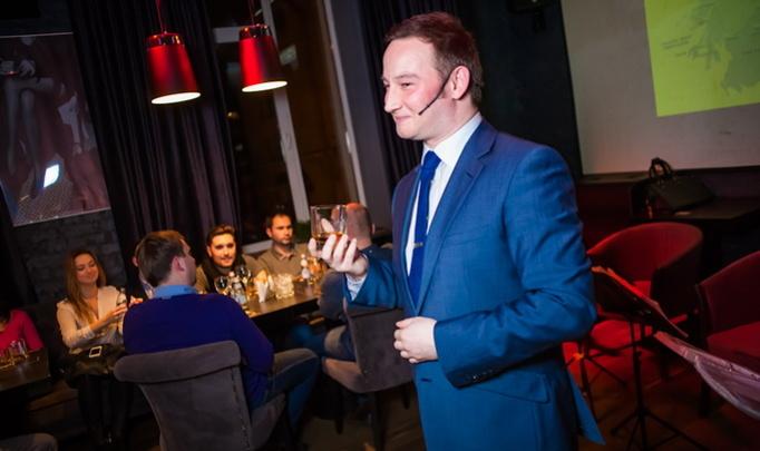Посол мирового бренда обучал Минск культуре пития виски