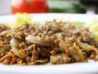 Гарнир из чечевицы с грибами