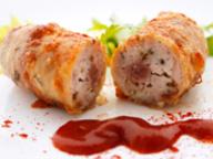 Колбаски, запеченные с сулугуни