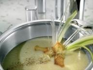 Суп из лука-порея и картофеля