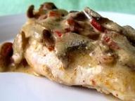 Курица в грибном соусе со сливками и перцем