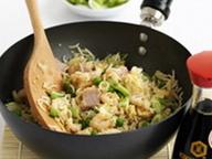Классический жареный рис по-кантонски