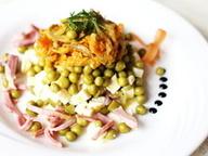 Слоеный салат-микс из горошка с шампиньонами