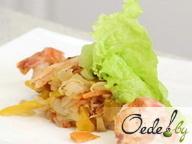 Рыбный салат с семгой и креветками