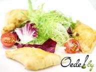 Салат с плавленым сыром и пирожками из морепродуктов