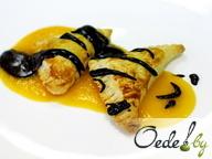 Слоеные пирожки с бананами и абрикосовым соусом