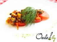 Мидии с овощами в томатном соусе
