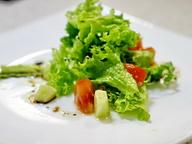Салат из авокадо с бальзамическим уксусом