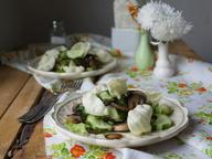Салат с огурцом и шампиньонами