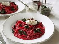 Спагетти со свекольным песто