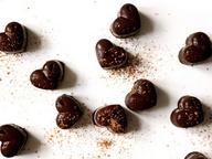 Шоколадные конфеты с финиками
