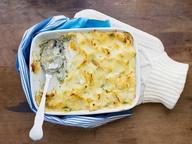 Гратен из картофеля со шпинатом и Пармезаном