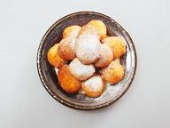 Пончики с творогом в сахарной пудре
