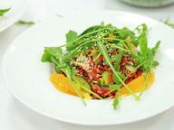 Салат из телятины «Золотой теленок» с кунжутным соусом