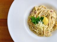 Итальянская кухня: спагетти Карбонара с грибами