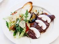 Салат-гриль с мачете стейком